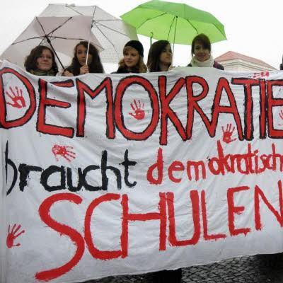 """""""Demokratie braucht demokratische Schulen"""""""