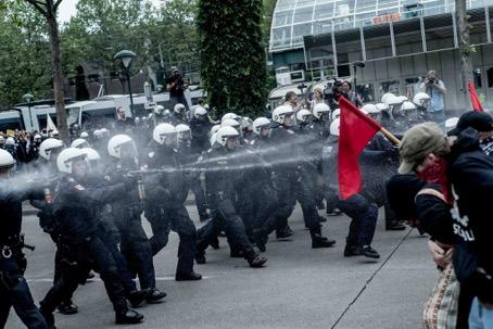 Die Polizei geht bei Demonstrationen oft unverhältnismäßig vor.